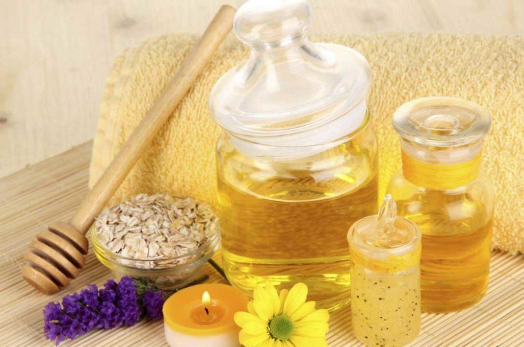 Φτιάξτε μια πανεύκολη μάσκα προσώπου με μέλι και αυγό.