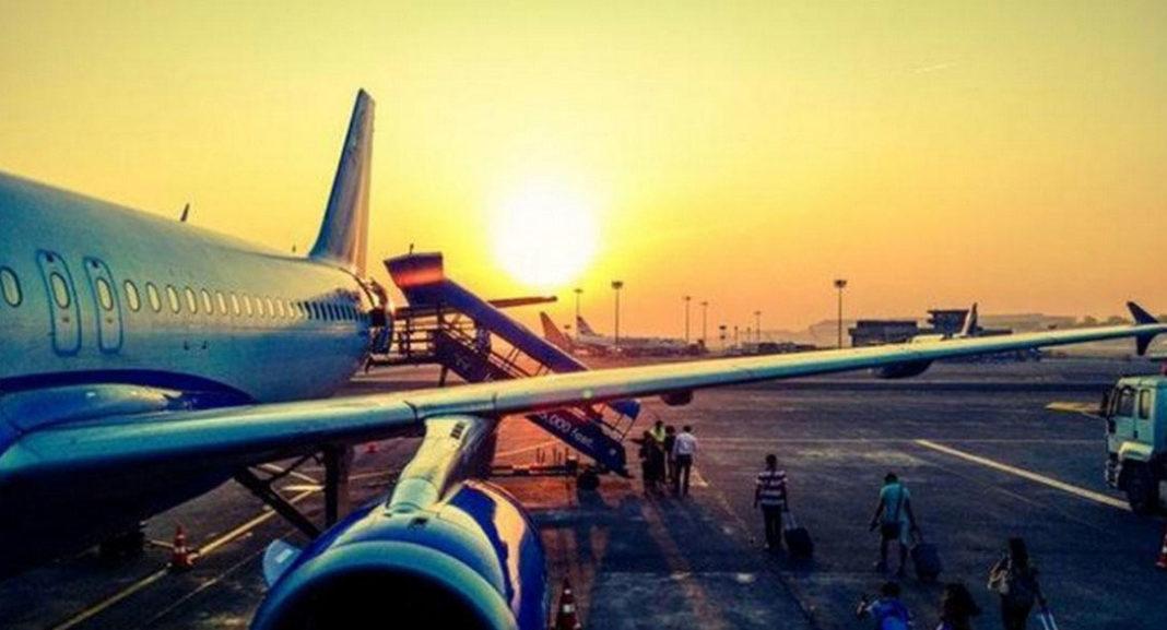 Το skiplagging εξοργίζει τις αεροπορικές, αλλά συμφέρει πάρα πολύ τους ταξιδιώτες.