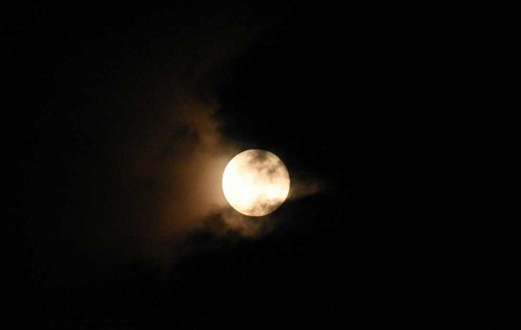 Το ανησυχητικό φαινόμενο με τις νύχτες στην Ελλάδα Οι επιστήμονες βασίστηκαν σε ιστορικά