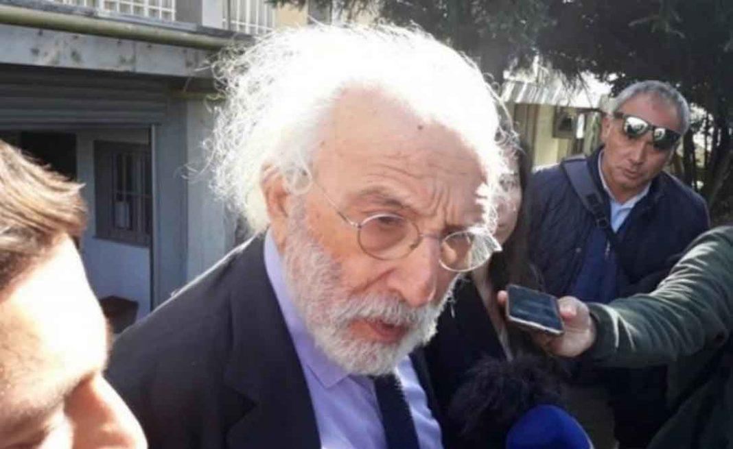 Για απόπειρα εκβιασμού και εγκληματική οργάνωση κατηγορούνται Λυκουρέζος και Παναγόπουλος Ενώπιον του εφέτη ειδικού ανακριτή που χειρίζεται