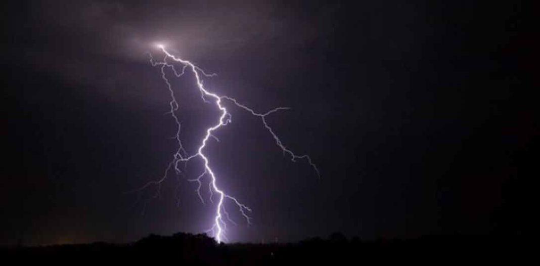 καιρος Βροχές και σποραδικές καταιγίδες θα εκδηλωθούν τη Δευτέρα και την Τρίτη σε πολλές περιοχές της χώρας