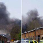 Πανικός από αλλεπάλληλες εκρήξεις στο Ντέρμπι της Αγγλίας - «Η γη τρέμει!»
