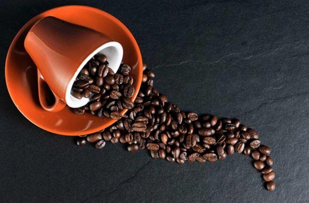 Δες λοιπόν τα τρία καλά και το ένα κακό που θα πάθει το σώμα σου αν σταματήσεις να πίνεις καφέ