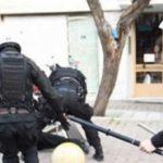 Εξάρχεια: Άγρια επίθεση σε βάρος αστυνομικών της ομάδας ΔΙ.ΑΣ
