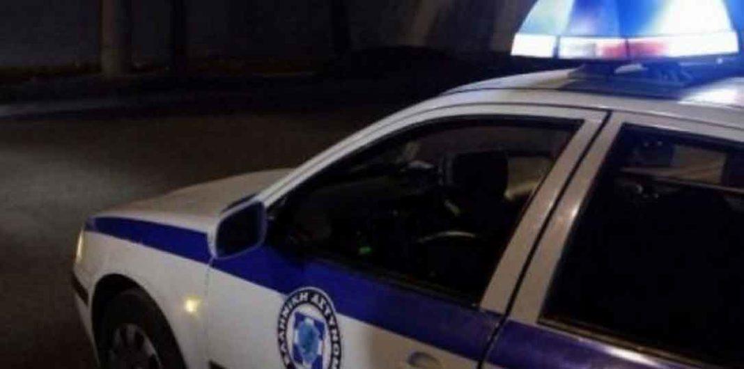 Θύμα άγριου ξυλοδαρμού από ομάδα νεαρών έπεσε τα ξημερώματα του περασμένου Σαββάτου αστυνομικός που υπηρετεί