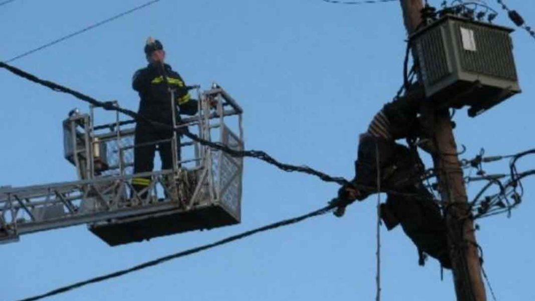 ηλεκτροδότηση Διακοπή ρεύματος: Χωρίς ηλεκτρικό έχουν μείνει πολλές περιοχές της Αττικής από το πρωί. Αιτία οι υψηλές θερμοκρασίες