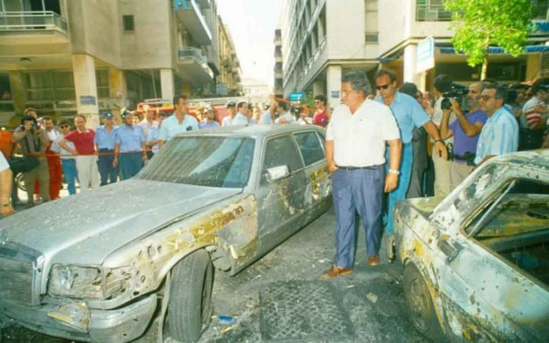 Αξαρλιάν Πλατεία Συντάγματος, μεσημέρι 14 Ιουλίου 1992. Κίνηση, ζέστη, αναβρασμός από