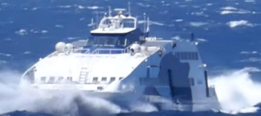 Δείτε τη μάχη του Superjet με τα πελώρια κύματα