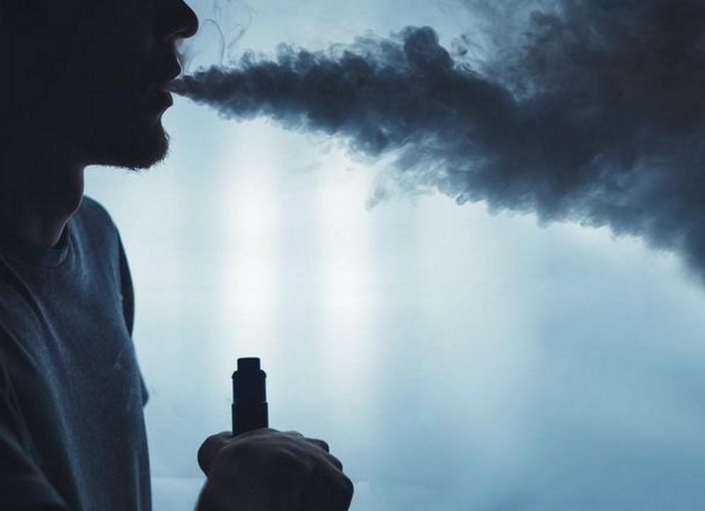Τα ηλεκτρονικά τσιγάρα ευθύνονται για μια πρόσφατη επιδημία στις ΗΠΑ, σύμφωνα με το Κέντρο Ελέγχου και Πρόληψης των Ασθενειών (CDC). Όπως ανακοίνωσ