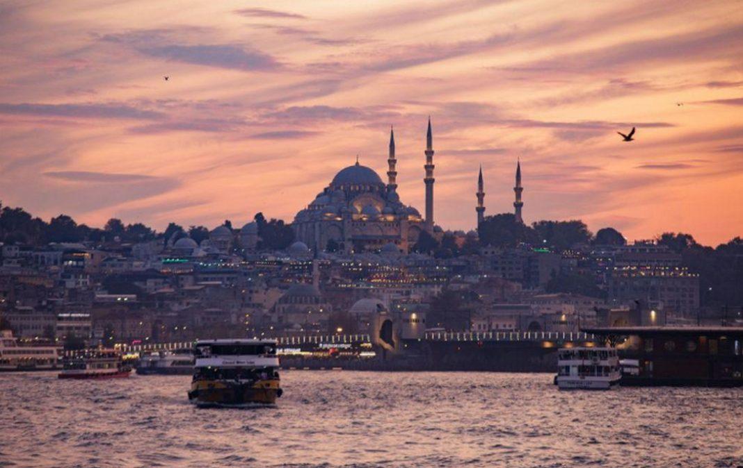 Τούρκοι επιστήμονες αφήνουν ορθάνοιχτο το ενδεχόμενο συντέλεσης ενός μεγάλου σεισμού στην Κωνσταντινούπολη