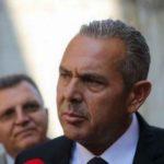 Αλλάζει επάγγελμα ο Καμμένος - Ανοίγει έκθεση αυτοκινήτων στη Λ.Συγγρού