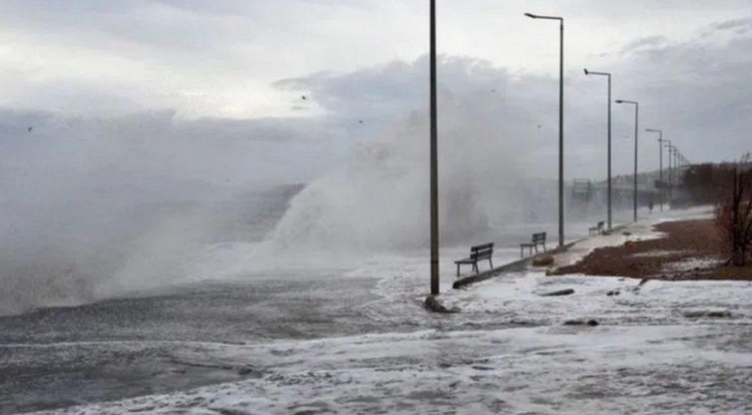 Άνεμοι σε επίπεδο θύελλας επικρατούν σήμερα στο Αιγαίο, σύμφωνα με το meteo του Εθνικού