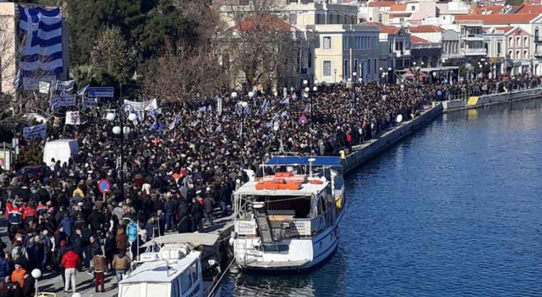 Στην Αθήνα μεταβαίνουν ο περιφερειάρχης Βορείου Αιγαίου και όλοι οι δήμαρχοι των νησιών αμέσως μετά την ολοκλήρωση των συγκεντρώσεων για το μεταναστευτικό
