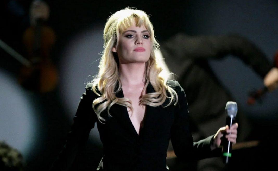 Η τραγουδίστρια Duffy, ενώ βρισκόταν στο απόγειο της καριέρας της, τραγουδώντας επιτυχίες όπως το Mercy, ξαφνικά εξαφανίστηκε από το μουσικό προσκήνιο.