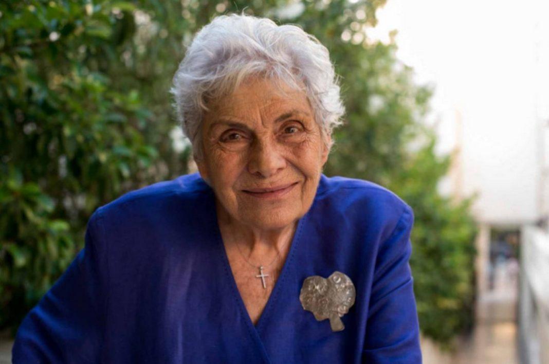 Στο νοσοκομείο, σε κρίσιμη κατάσταση, μεταφέρθηκε το απόγευμα του Σαββάτου η σπουδαία ποιήτρια Κική Δημουλά