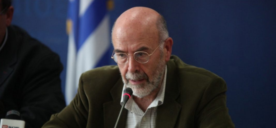 διατύπωσε σε ανάρτησή του στο facebook ο ιστορικός και μέλος της ΚΕΑ του ΣΥΡΙΖΑ, Αντώνης Λιάκος.