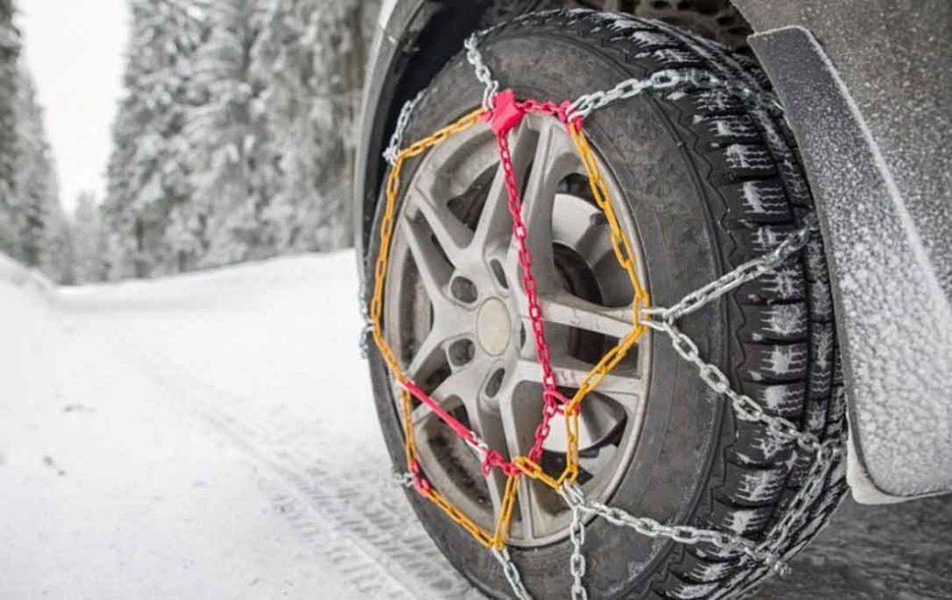 Προβλήματα στην κυκλοφορία των οχημάτων έχουν προκληθεί εξαιτίας της κακοκαιρίας και της έντονης χιονόπτωσης. Δείτε ποιοι δρόμοι είναι κλειστοί