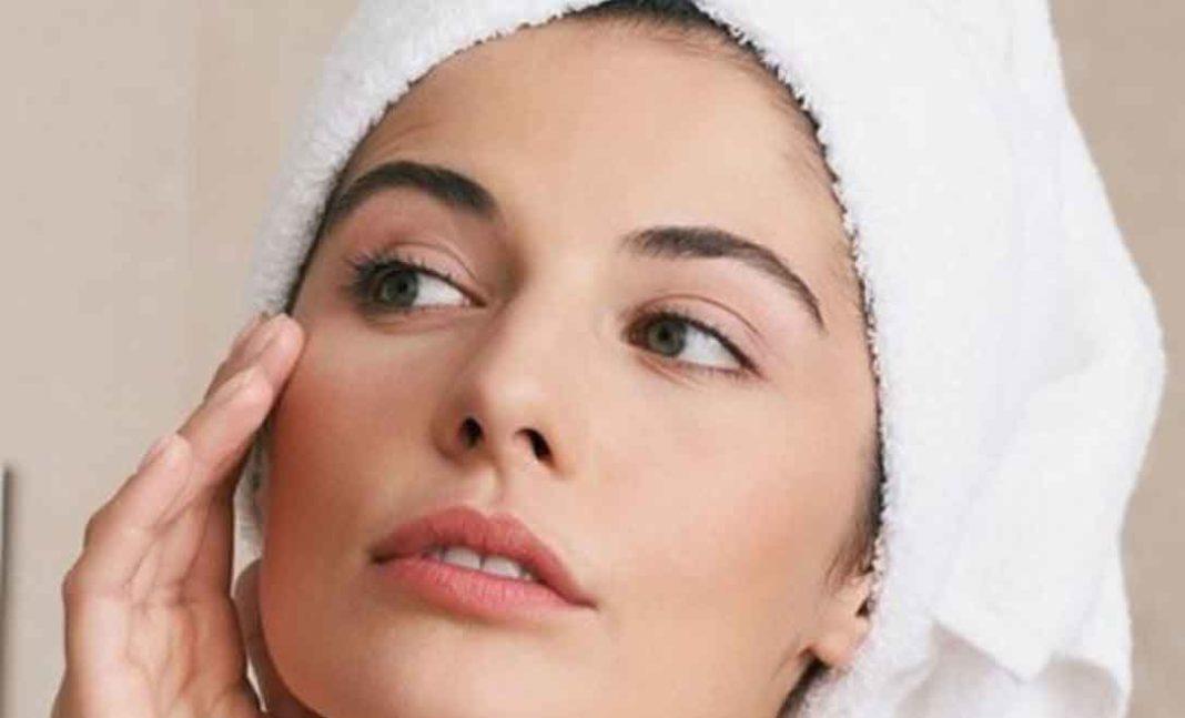 Σπιτική κρέμα για ανάπλαση του δέρματος και απαλλαγή από τις ρυτίδες μέσα σε 7 ημέρες