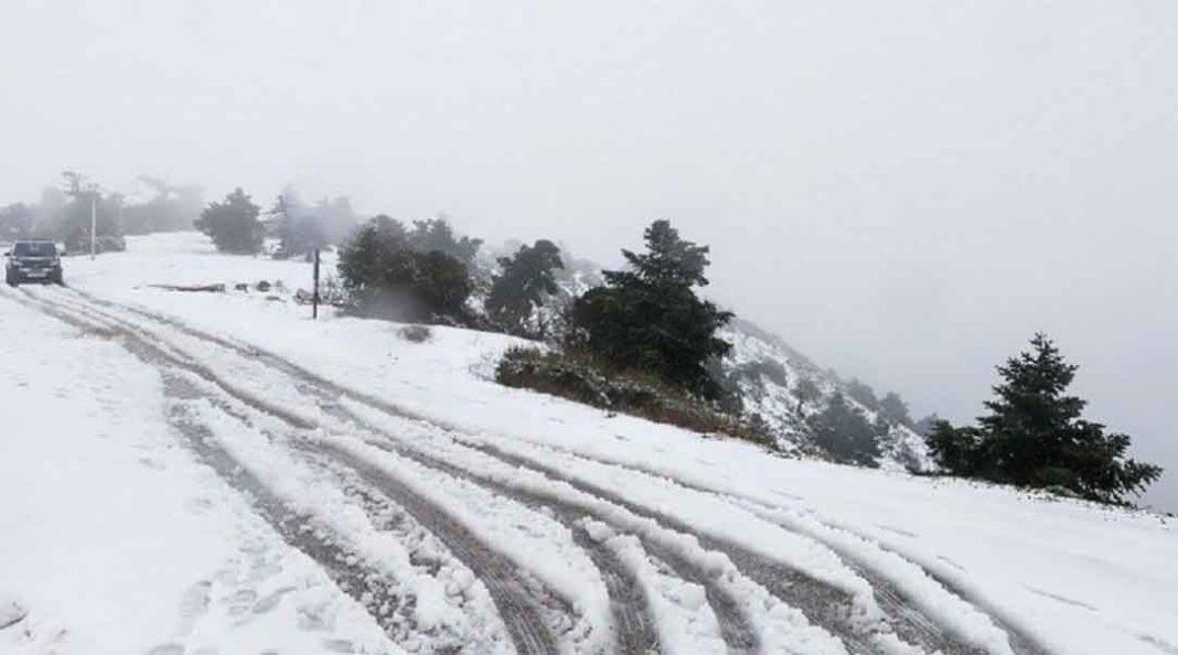 Χιονιάς θα πλήξει το μεγαλύτερο μέρος της Αττικής, σύμφωνα με ανάρτησή στο Facebook του μετεωρολόγου Κλέαρχου Μαρουσάκη.