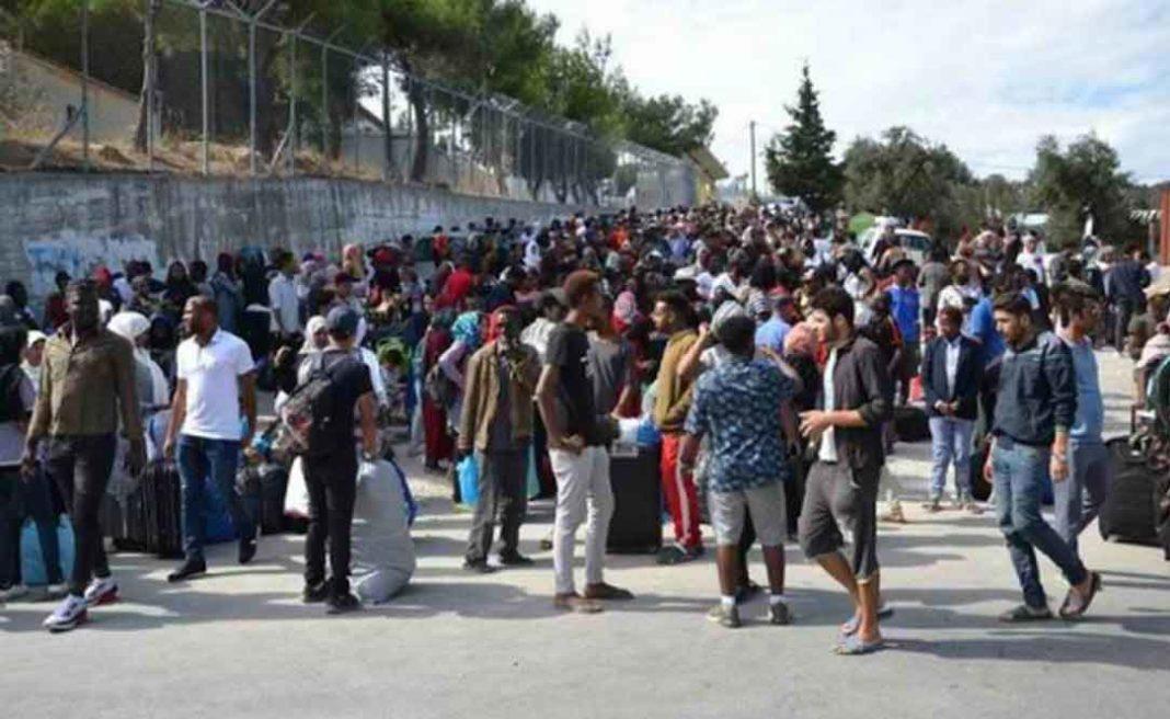 Θα «καεί» ο τόπος: «Ξεσηκώνονται» και οπαδοί ελληνικών ομάδων κατά των «μεταναστών»