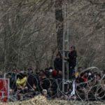 Κάνουν απροσπέλαστο τον Έβρο: Επεκτείνεται ο φράχτης – Σε επιφυλακή οι ελληνικές δυνάμεις (ΒΙΝΤΕΟ)
