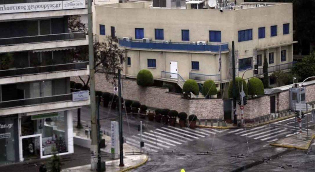 Με ανακοίνωσή της η πρεσβεία του Ισραήλ στην Αθήνα επιβεβαίωσε τις πληροφορίες που θέλουν έναν υπάλληλο να βρέθηκε θετικός στον κορωνοϊό
