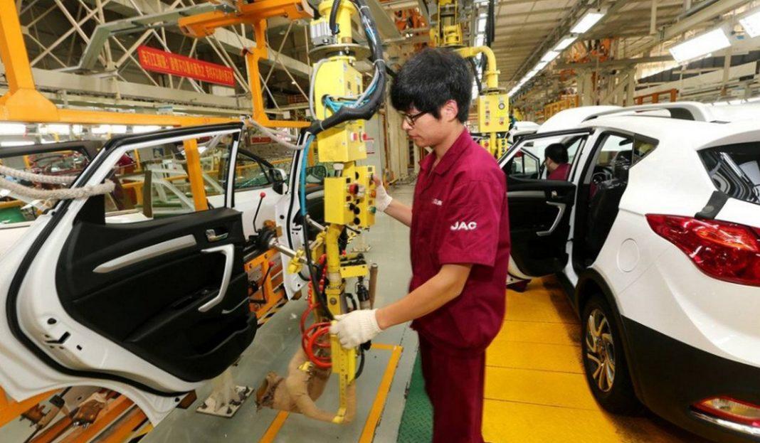 Προβλήματα στην παραγωγή αυτοκινήτων δημιουργεί ο κορωνοϊός που πλήττει την Κίνα, με αποτέλεσμα πολλές εταιρείες να αντιμετωπίζουν