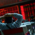 """Κραχ στο Χρηματιστήριο Αθηνών - Όλο το ταμπλό είναι στο """"κόκκινο"""""""
