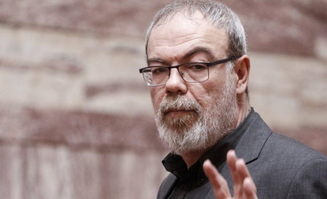 Κυρίτσης:Ότι η κυβέρνηση «σκηνοθετεί έναν πόλεμο στον Έβρο» υποστηρίζει μέσα από την εφημερίδα ΑΥΓΗ ο πρώην βουλευτής του ΣΥΡΙΖΑ