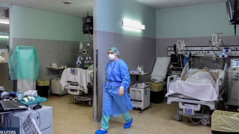 Τις δραματικές στιγμές που βιώνουν ασθενείς, γιατροί και νοσηλευτές στο νοσοκομείο του Μπέργκαμο, την περιοχή της Ιταλίας που πλήττεται περισσότερο από τον κορονοϊό
