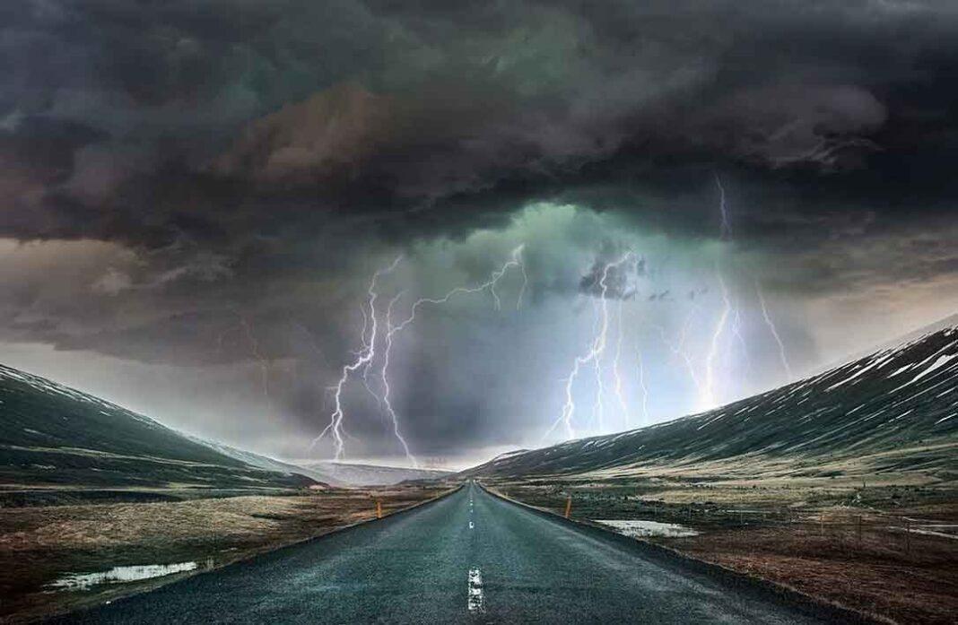 Ρουμπινί: Ερχεται η τέλεια καταιγίδα Οι δέκα λόγοι που συνηγορούν στο ότι έρχεται ύφεση που θα είναι μεγαλύτερη