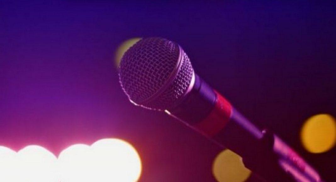 ξημερώματα της Τρίτης ο θρυλικός τραγουδιστής της folk μουσική Τζον Πρινέ «χτυπημένος» από τον κοροναϊό.