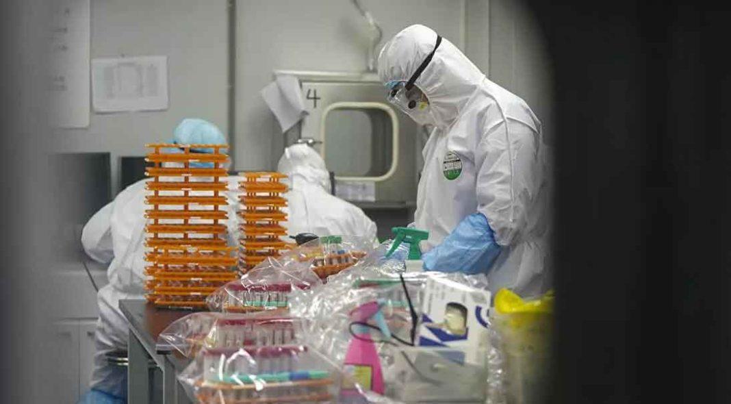Εργαστήριο στη Γουχάν «σπάει» τη σιωπή για την προέλευση του κορονοϊού
