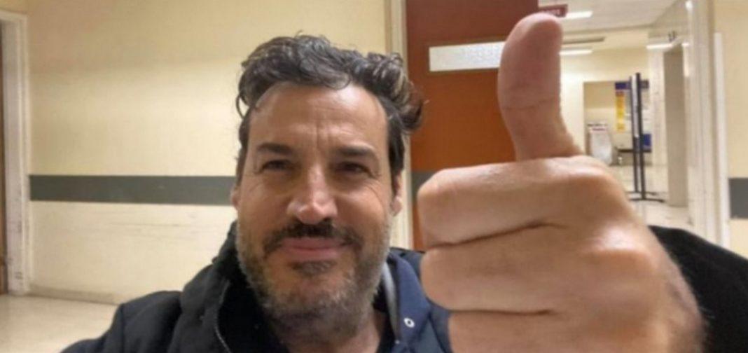 Νικητής από τη μάχη της ζωής του βγήκε ο Αλέξης Αλεξίου, ο άνθρωπος που προβλήθηκε ταυτόχρονα από γρίπη τύπου Β, σοβαρή πνευμονία και τον νέο κορωνοϊό SARS-CoV-2