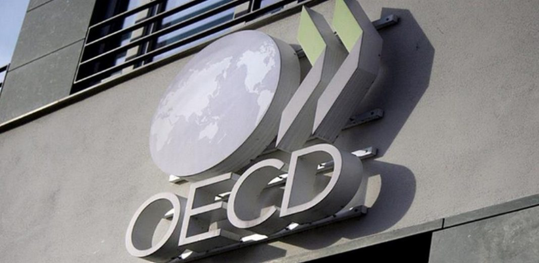 Τα μέτρα περιορισμού τα οποία εφαρμόζει η Ελλάδα μπορεί δυνητικά να έχουν επίπτωση έως -35% του ΑΕΠ, σύμφωνα με νέα έκθεση του ΟΟΣΑ