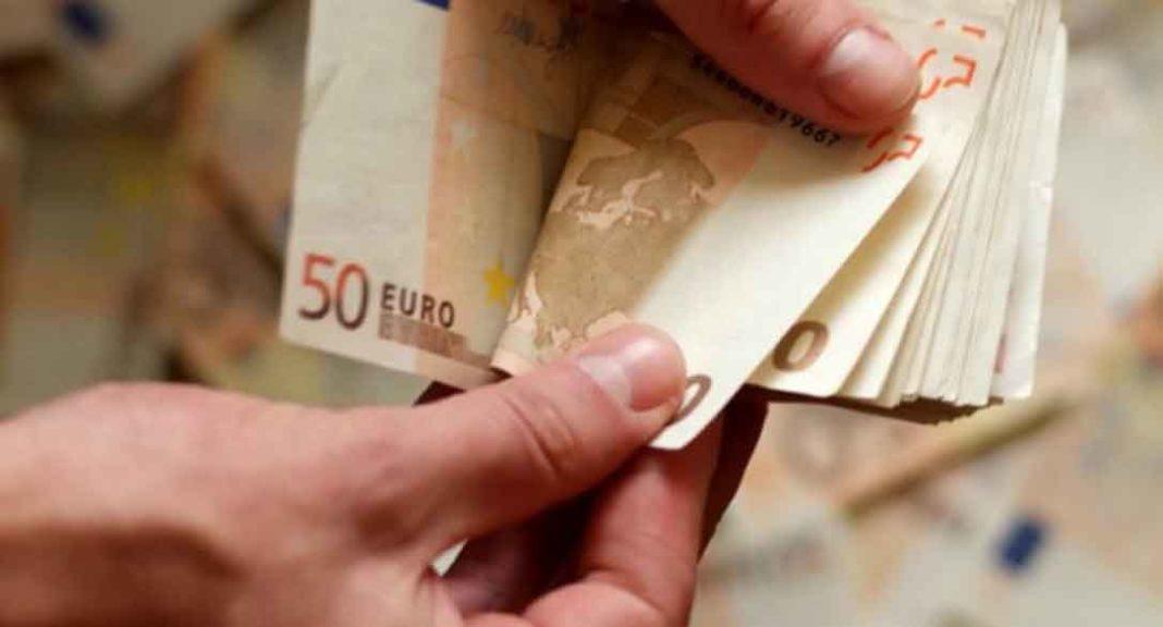 Μέχρι χτες βράδυ στα μέτρα της ΕΡΓΑΝΗΣ είχαν ενταχθεί 577.002 επιχειρήσεις που απασχολούν 870.510 εργαζόμενους, ενώ στην λίστα για τα 800 ευρώ είχαν ήδη ενταχθεί 792.300