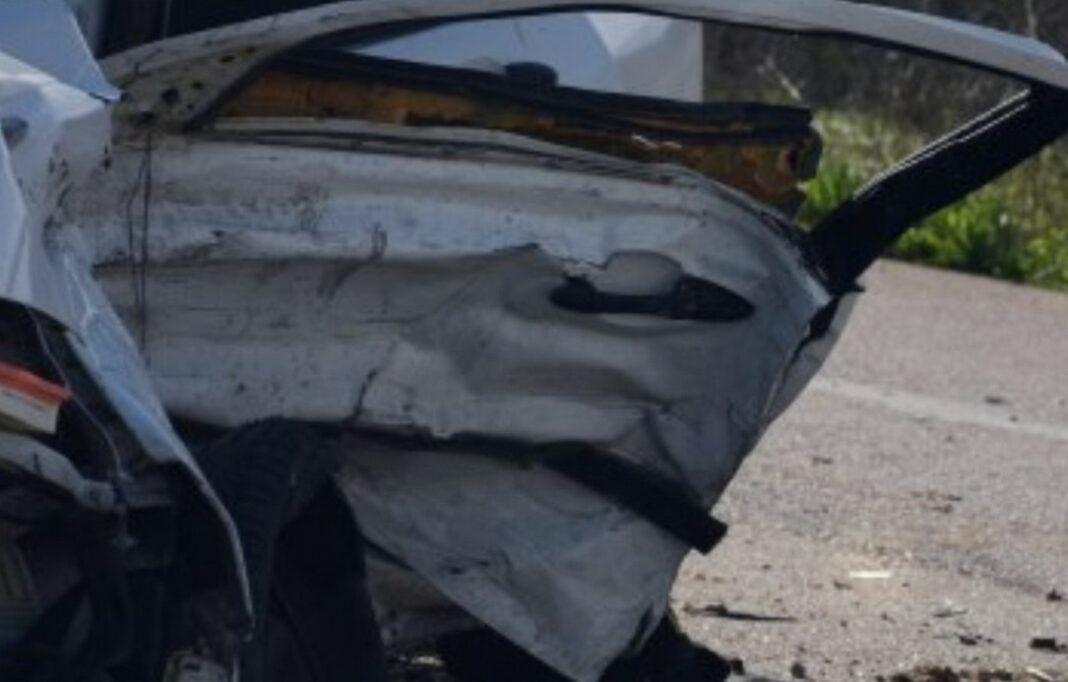 Τραγικό τροχαίο δυστύχημα στο Σχηματάρι: Ένας νεκρός κι ένας σοβαρά τραυματισμένος