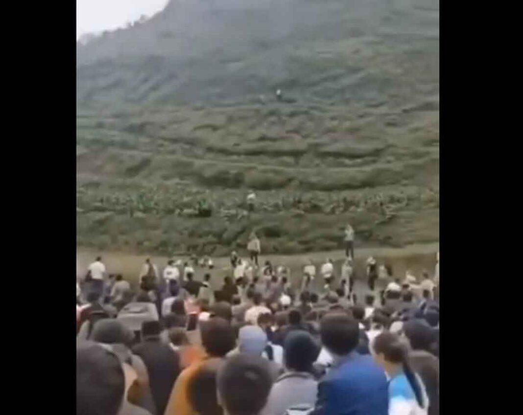 Περίεργοι ήχοι έχουν αναστατώσει τους κατοίκους της επαρχίας Γκουιτσόου στην νοτιοδυτική Κίνα. Οι ήχοι σύμφωνα με ορισμένες εκτιμήσεις προέρχονται
