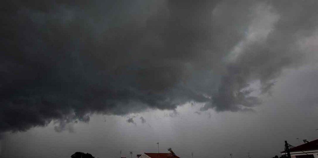 Καιρός:Έρχεται ακραία μεταβολή -Καταιγίδες οι οποίες θα δίνουν 31 τόνους νερό ανά στρέμμα