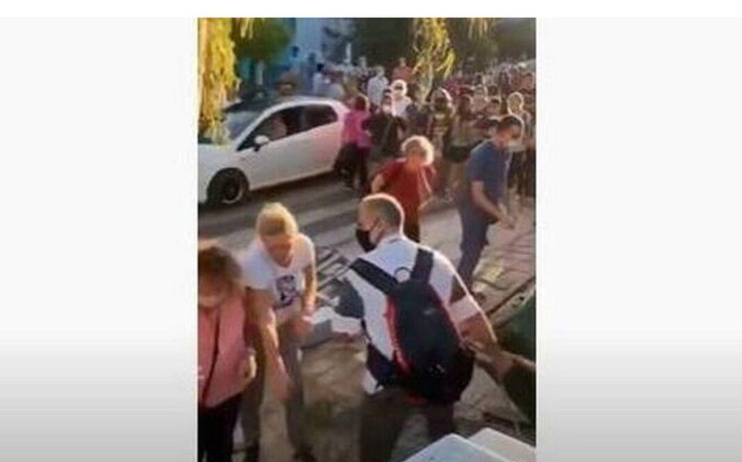 Απίστευτες εικόνες σε κατάληψη στον Άλιμο: Μαθητές και γονείς πιάστηκαν στα χέρια