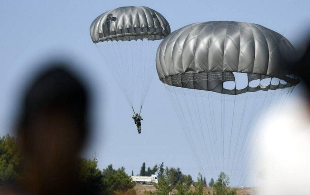 Ένοπλες Δυνάμεις: Νεκρός ο αλεξιπτωτιστής που παρασύρθηκε από δυνατούς ανέμους