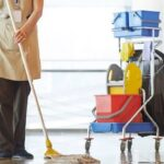 Γιατί δεν έχουν παρουσιαστεί ακόμα καθαρίστριες στα σχολεία