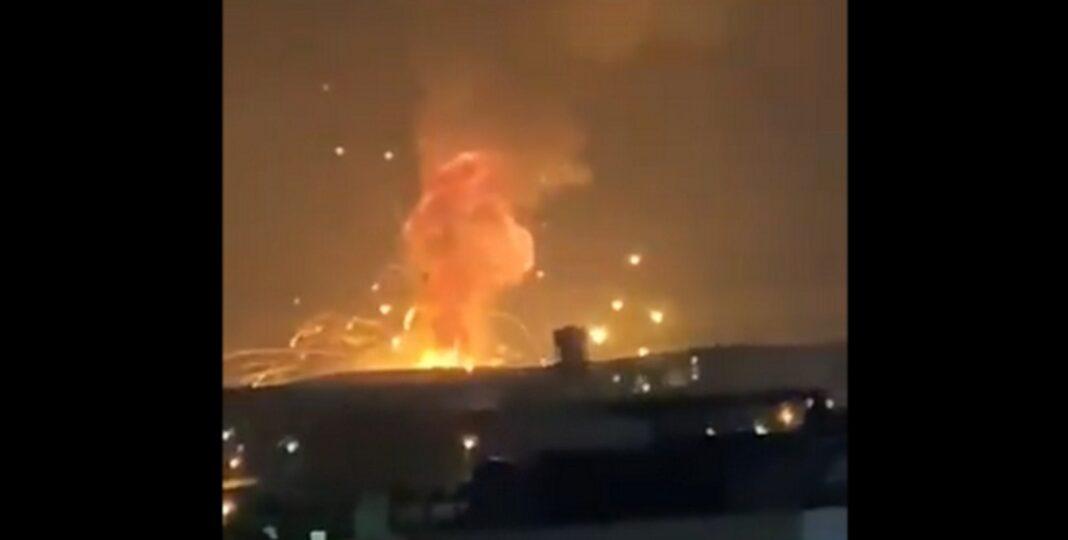 Kόλαση στην Ιορδανία: Ισχυρές εκρήξεις σε στρατιωτική βάση στην πόλη Ζάρκα - Νεκροί και τραυματίες (βίντεο)