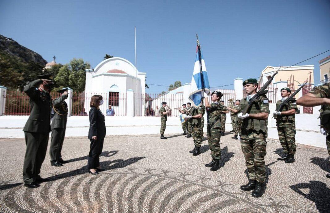 Στο Καστελόριζο η Σακελλαροπούλου: Δίχτυ ασφαλείας από τα ελληνικά φτερά