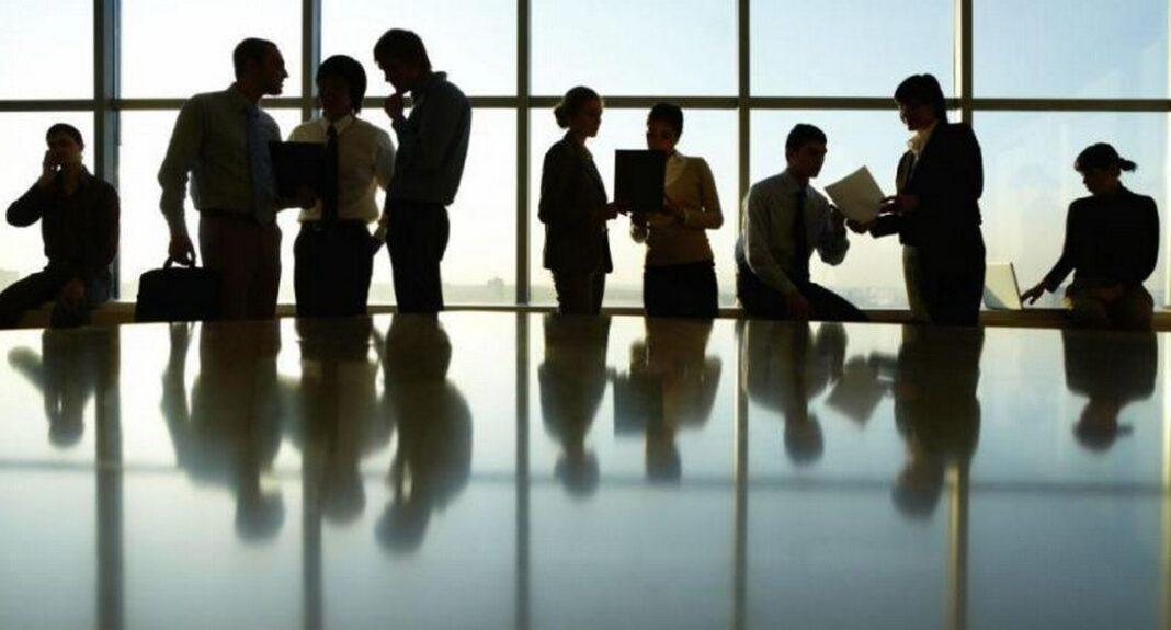 Εργαζόμενοι σε αναστολή και άνεργοι: Ποιοι πληρώνονται την Παρασκευή