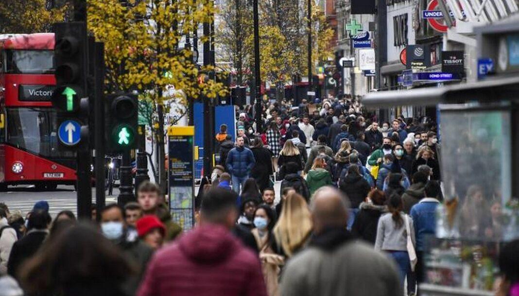 Κορονοϊός: Σε αυστηρό lockown το Λονδίνο - Συναγερμός για νέα επιθετική