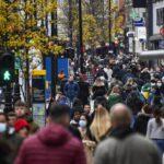 """Κορονοϊός: Σε αυστηρό lockown το Λονδίνο - Συναγερμός για νέα επιθετική """"μετάλλαξη"""" του ιού"""