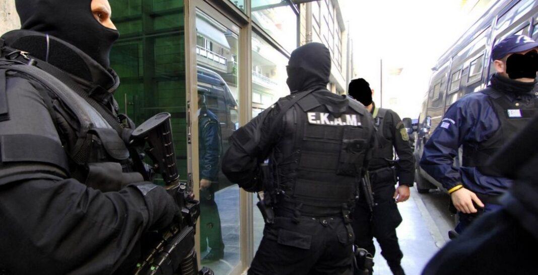 ύλληψη 2 Ελλήνων στην Ρόδο για κατασκοπεία - Κατέγραφαν οχυρώσεις & μετακινήσεις στρατευμάτων