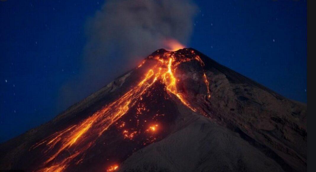 Αρχίσαμε.. Εντολή εκκένωσης-Το ηφαίστειο Λα Σουφριέρ «βρυχάται» μετά από 42 χρόνια (vid)