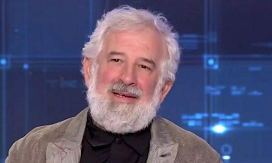 Πέτρος Φιλιππίδης: «Στο νοσοκομείο με συμπτώματα εγκεφαλικού επεισοδίου»